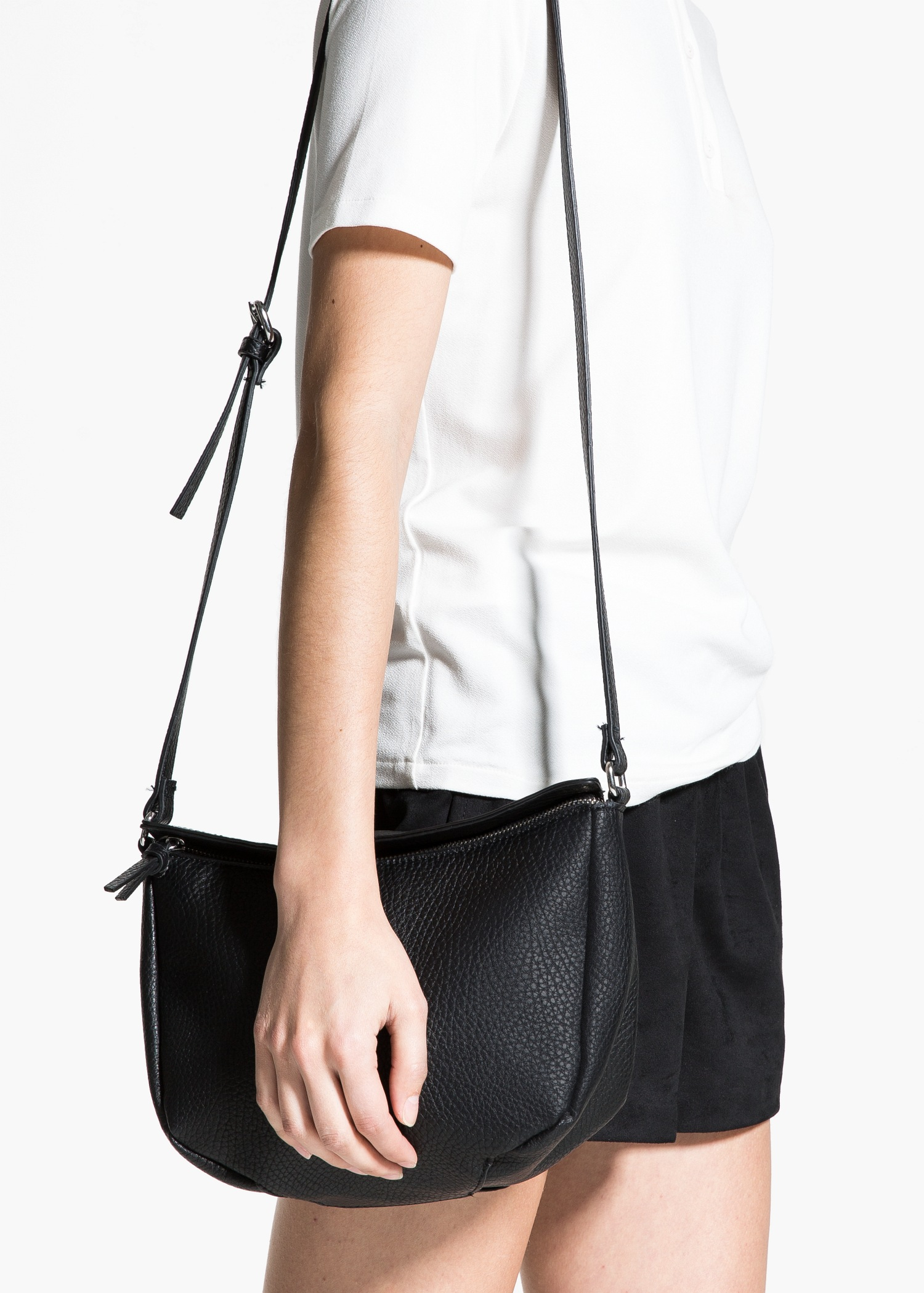 7a2972a8c3 Lyst - Mango Pebbled Cross-Body Bag in Black