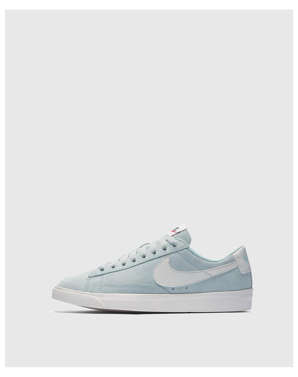 best loved e9c5f e2446 Nike Blazer Low Casual Trainers in Blue - Lyst