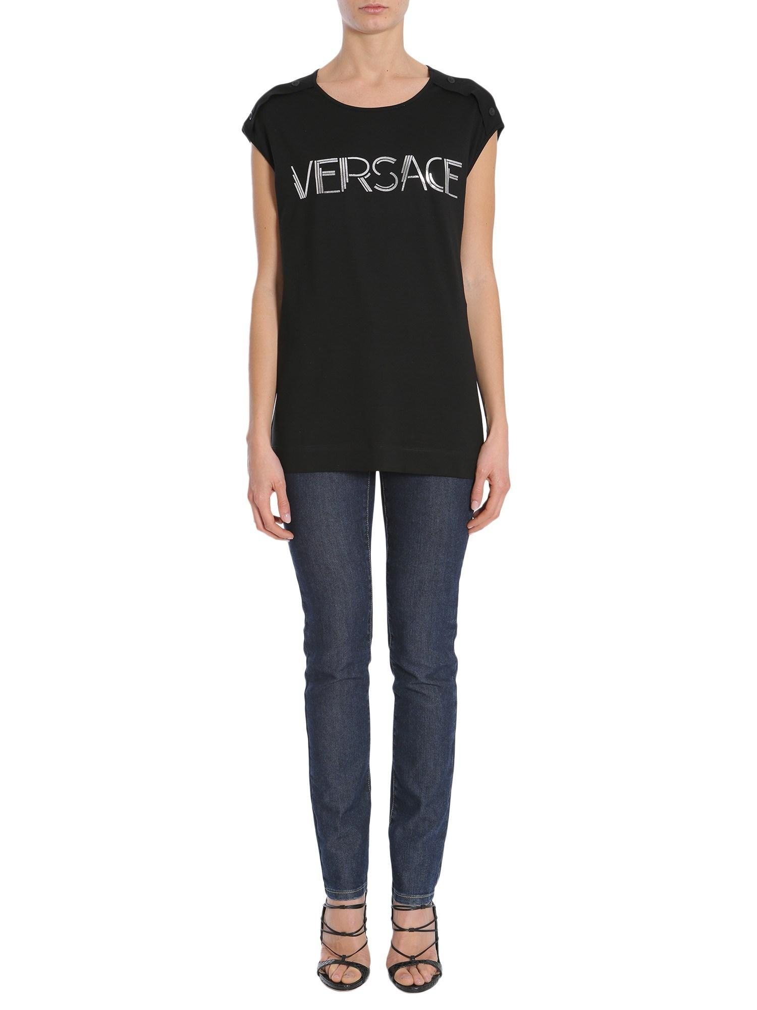 966adfb05e589 Versace Oversize Top With Logo Print in Black - Lyst