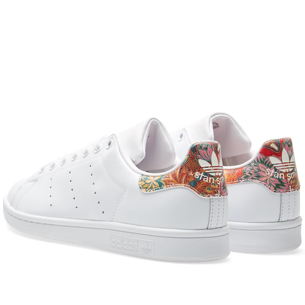 9eaf4f95ed09 Lyst - adidas Women s Stan Smith Floral W in White