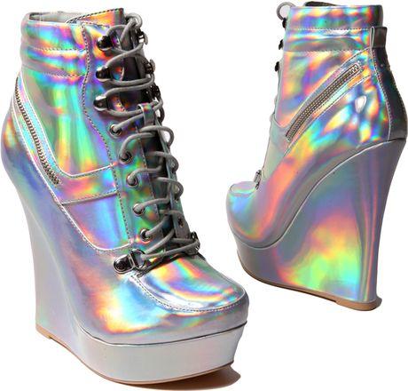 Akira Honfleur18 Hologram Sneaker Wedge In Silver Lyst
