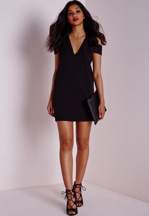 23ae81ec015b Lyst - Missguided Crepe V-neck Plunge Cuff Detail Shift Dress Black ...