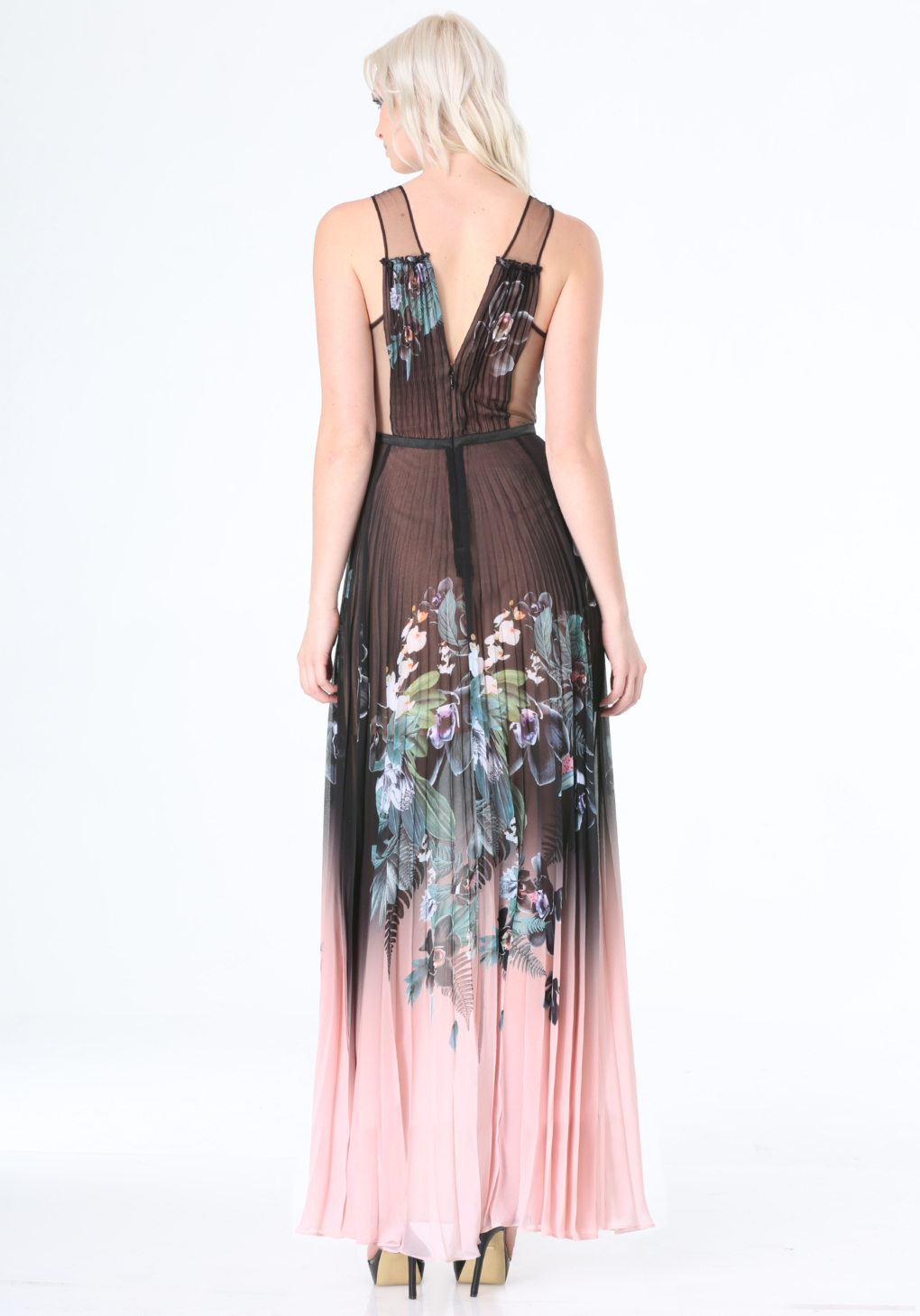 Bebe print pleated maxi dress in black lyst for Bebe dresses wedding guest