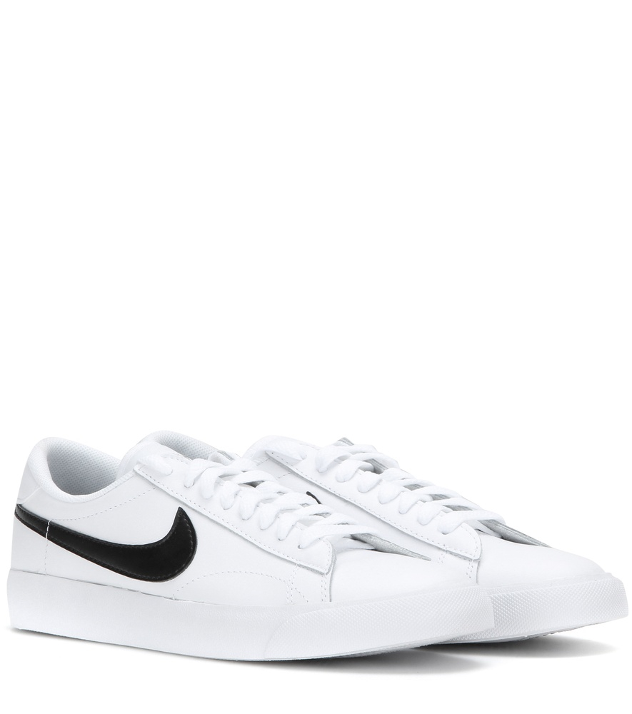 nike tennis classic leather sneakers