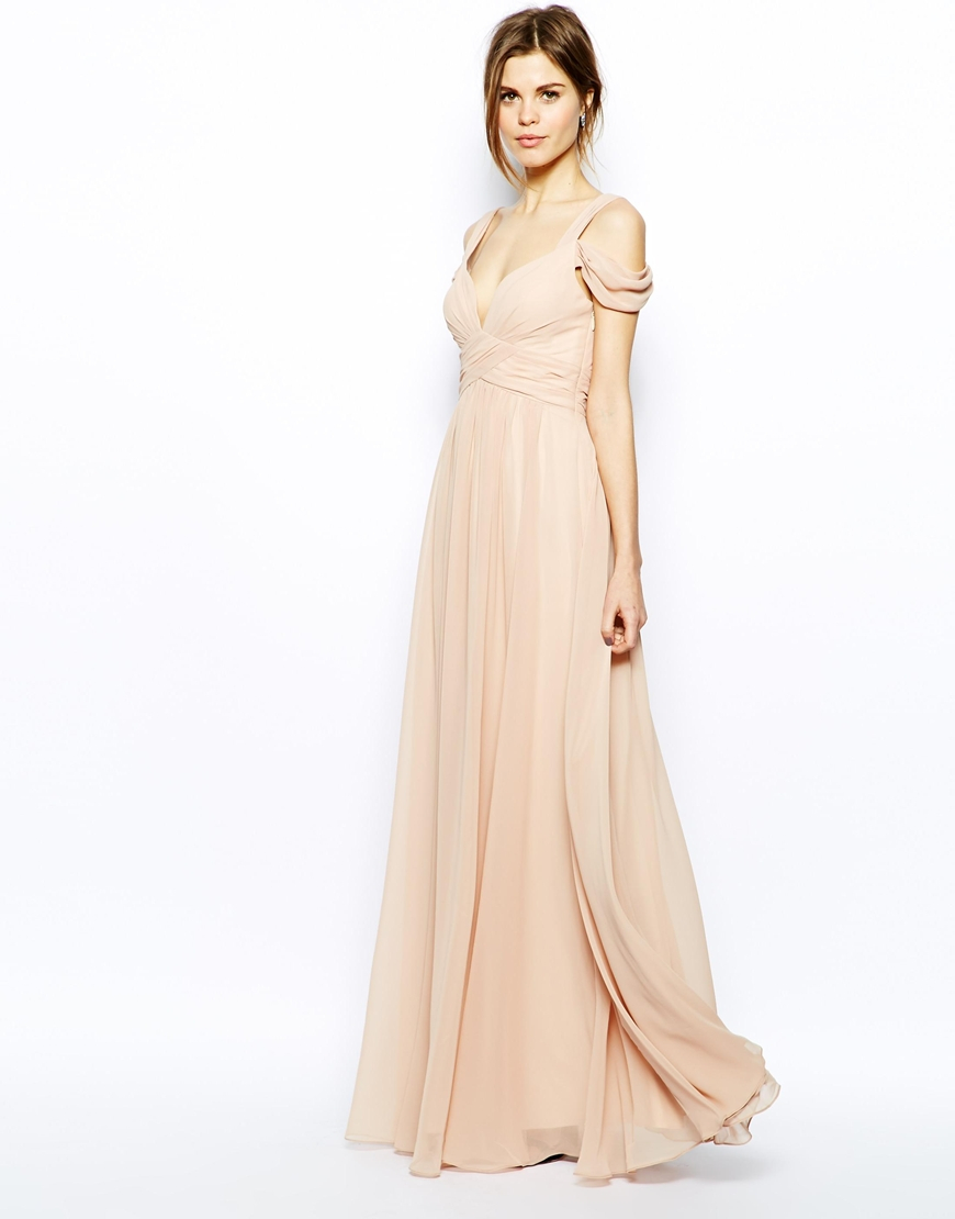 Forever unique Sweetheart Maxi Dress with Off Shoulder in Natural ...