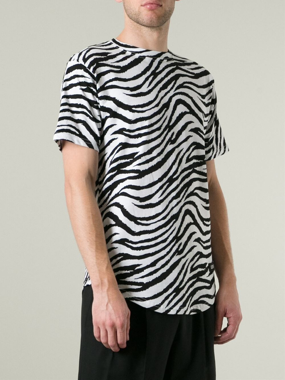 Lyst les art ists 39 margiela 57 39 zebra print football t for Print one t shirt