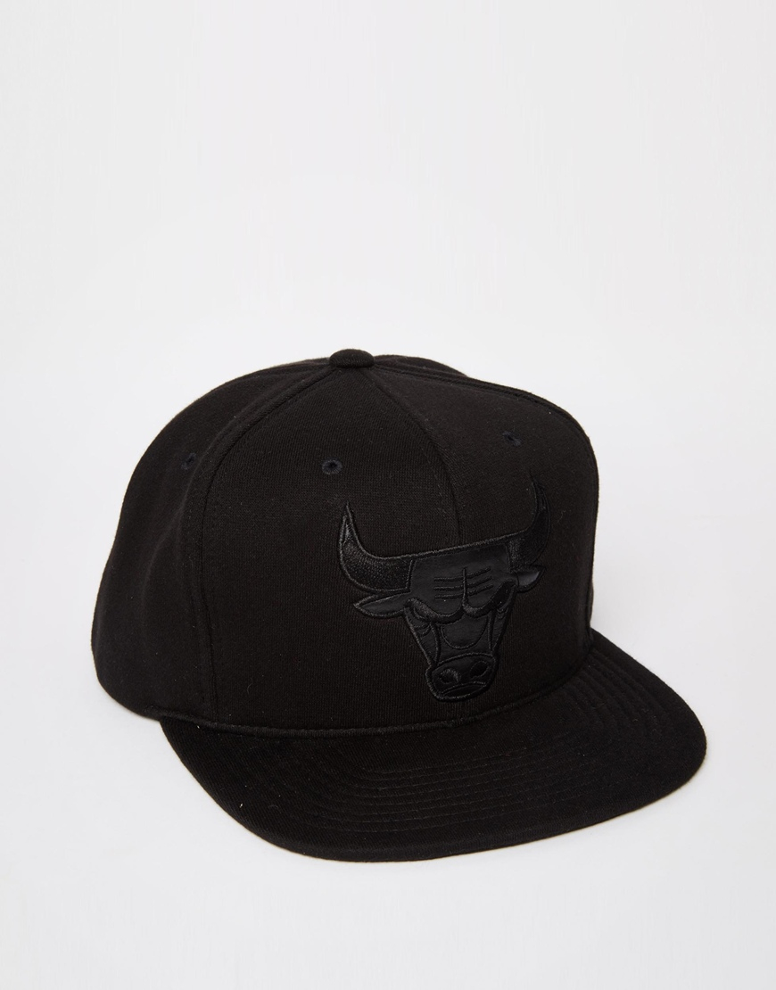 Lyst - Mitchell   Ness Blackout Chicago Bulls Snapback Cap in Black ... 25b9d605398