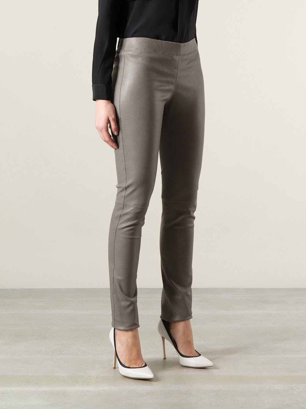 7d3fefde731489 Gallery. Previously sold at: Farfetch · Women's Leather Leggings