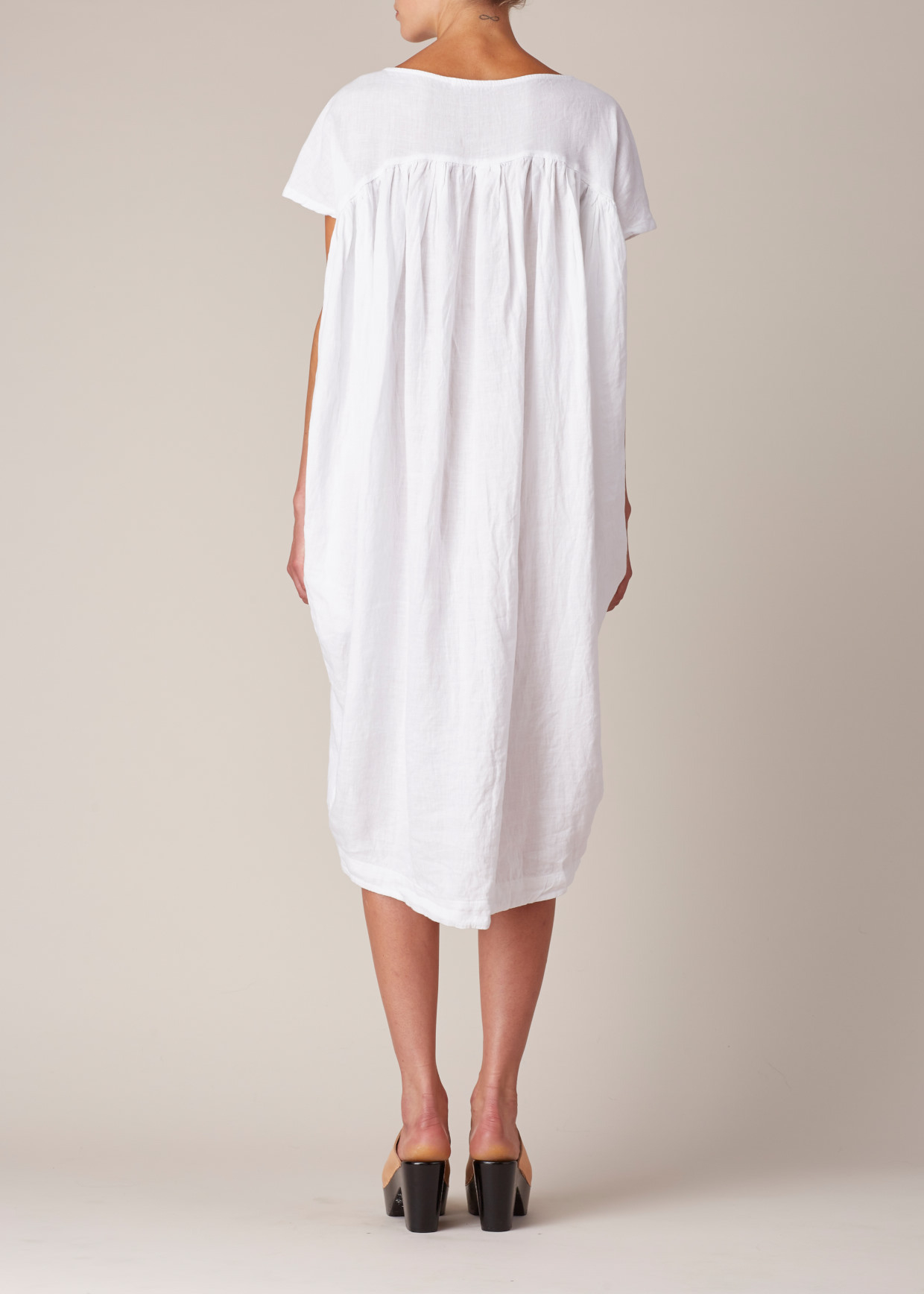 3a7213c6659 Black Crane White Cocoon Dress in White - Lyst