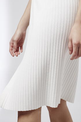 ae07a3e2926d TOPSHOP Ribbed Midi Skirt in White - Lyst