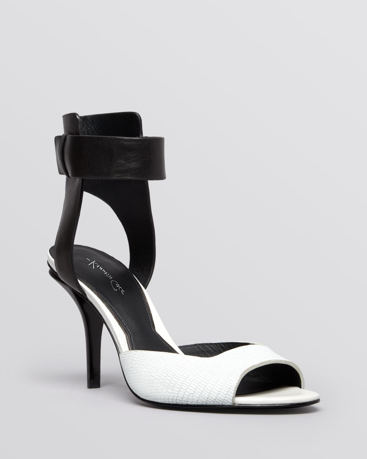 Black And White Sandals With Heel