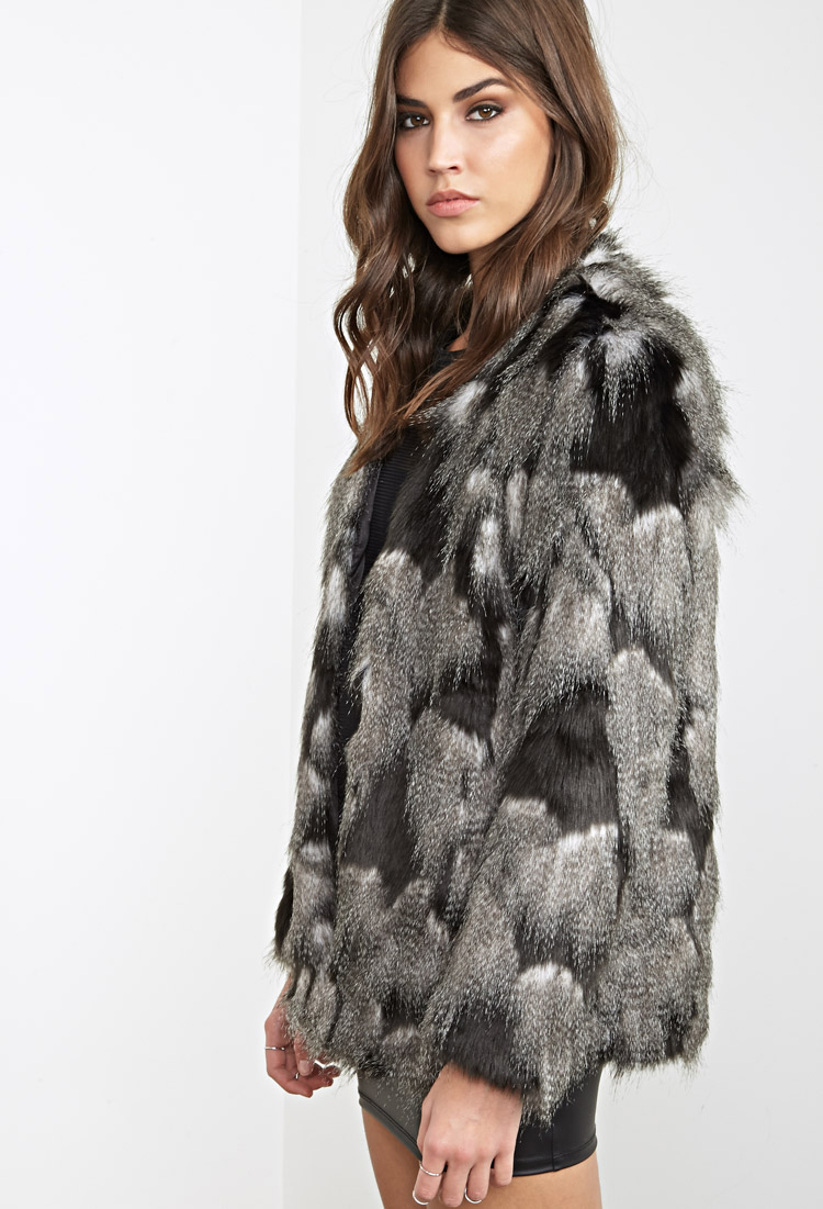 cd1b00362dcf0 Lyst - Forever 21 Two-tone Faux Fur Jacket in Gray