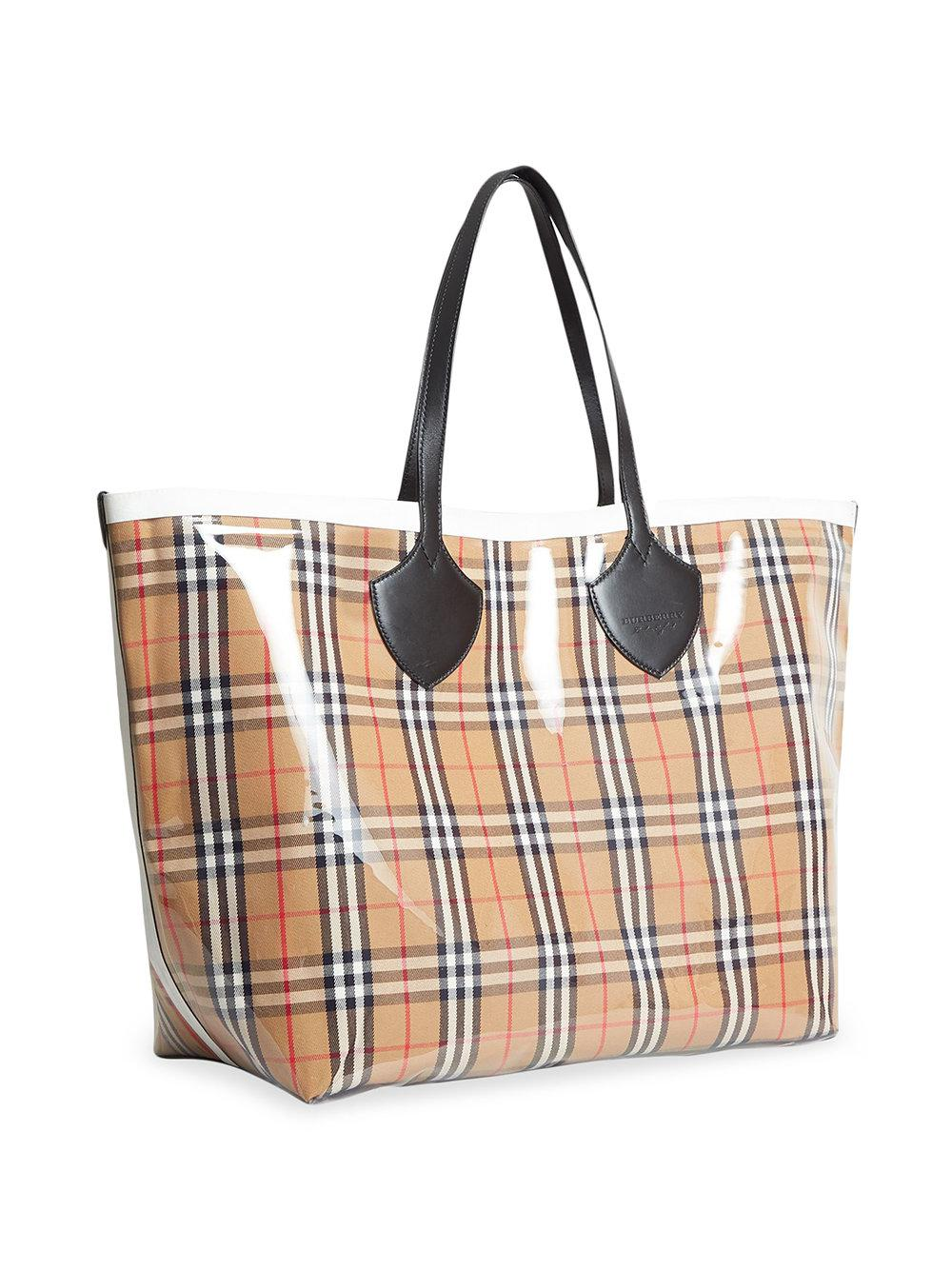 5bb25b746bce Lyst - Burberry The Giant Reversible Tote In Plastic And Vintage Check