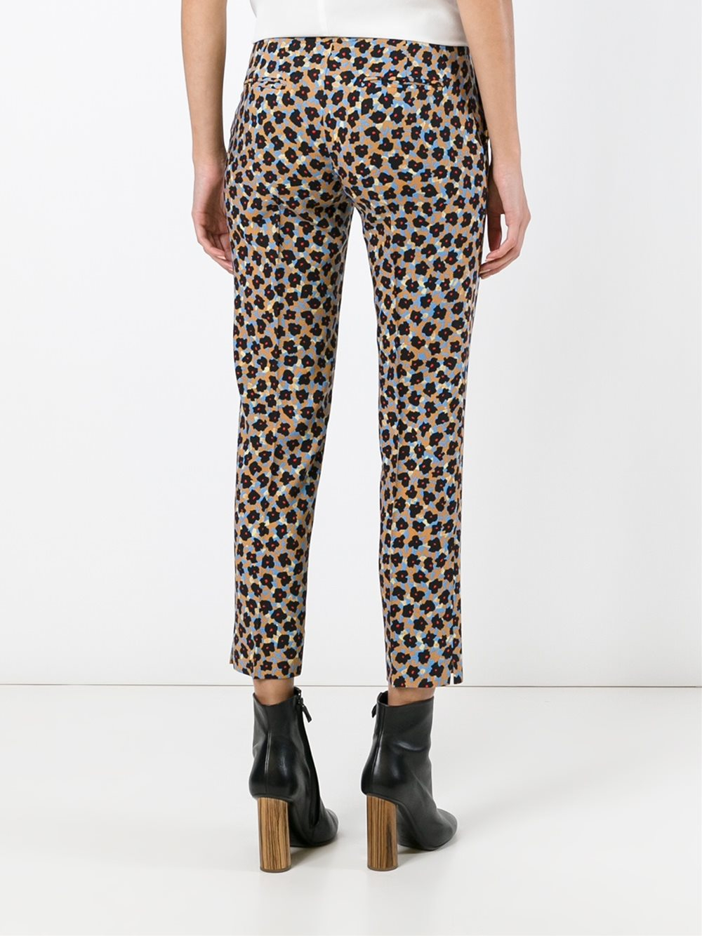 Find printed crop pants at ShopStyle. Shop the latest collection of printed crop pants from the most popular stores - all in one place.