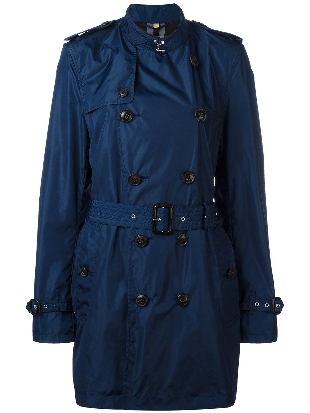 It turns out that right now is a great time to snag a deal on winter coats, since tons of them are up to 50 percent off at Nordstrom. We sifted through and found some great winter coats on sale.