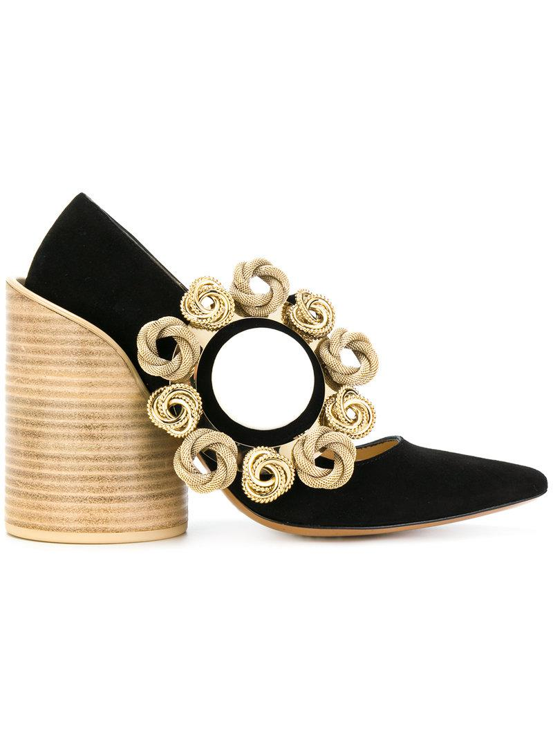 Jacquemus Les Chaussures in Boucle Pumps in Chaussures Noir Lyst 90ebdd 5c4823927924