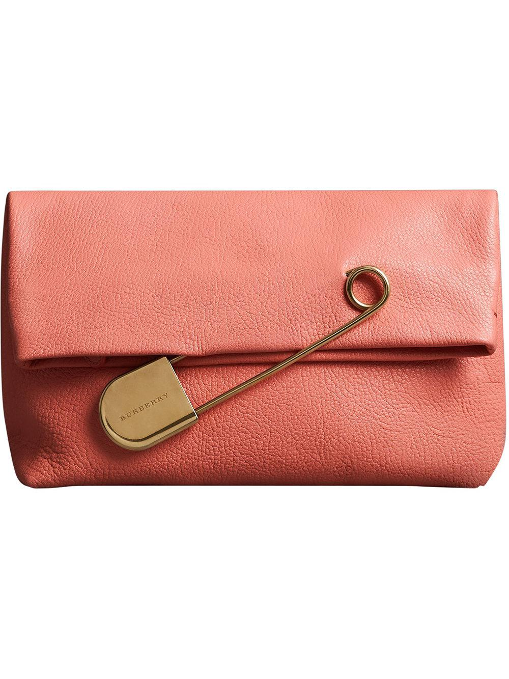 The Medium Pin Clutch in Leather - Red Burberry WLqIsOR0