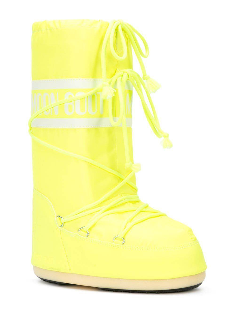 c457df1f2df5 Lyst - Jeremy Scott X Moon Boots in Yellow