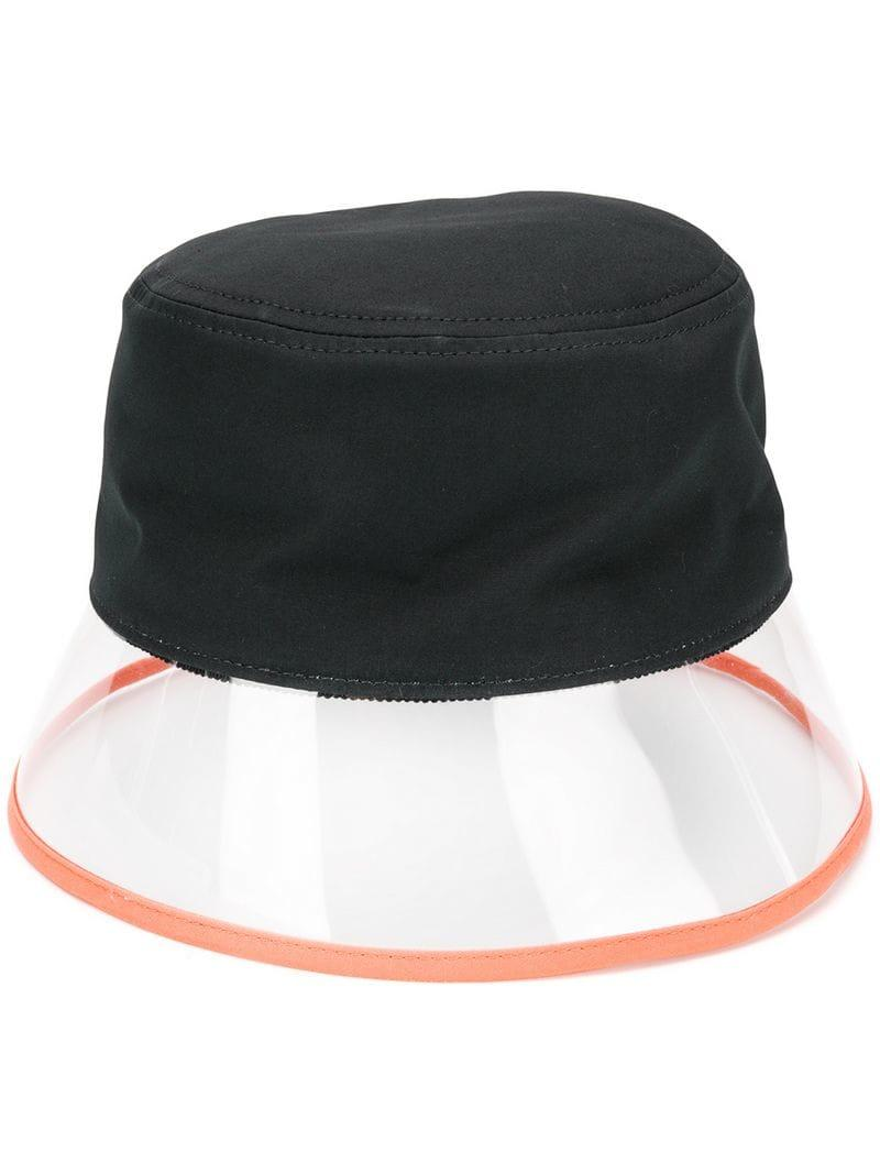 Prada. Sombrero impermeable de mujer de color negro baf9b67bc8a2