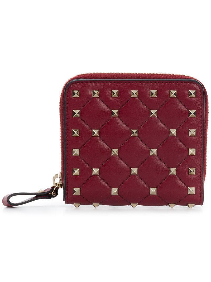 986851c225ef7 Valentino Garavani Rockstud Spike Wallet in Red - Lyst
