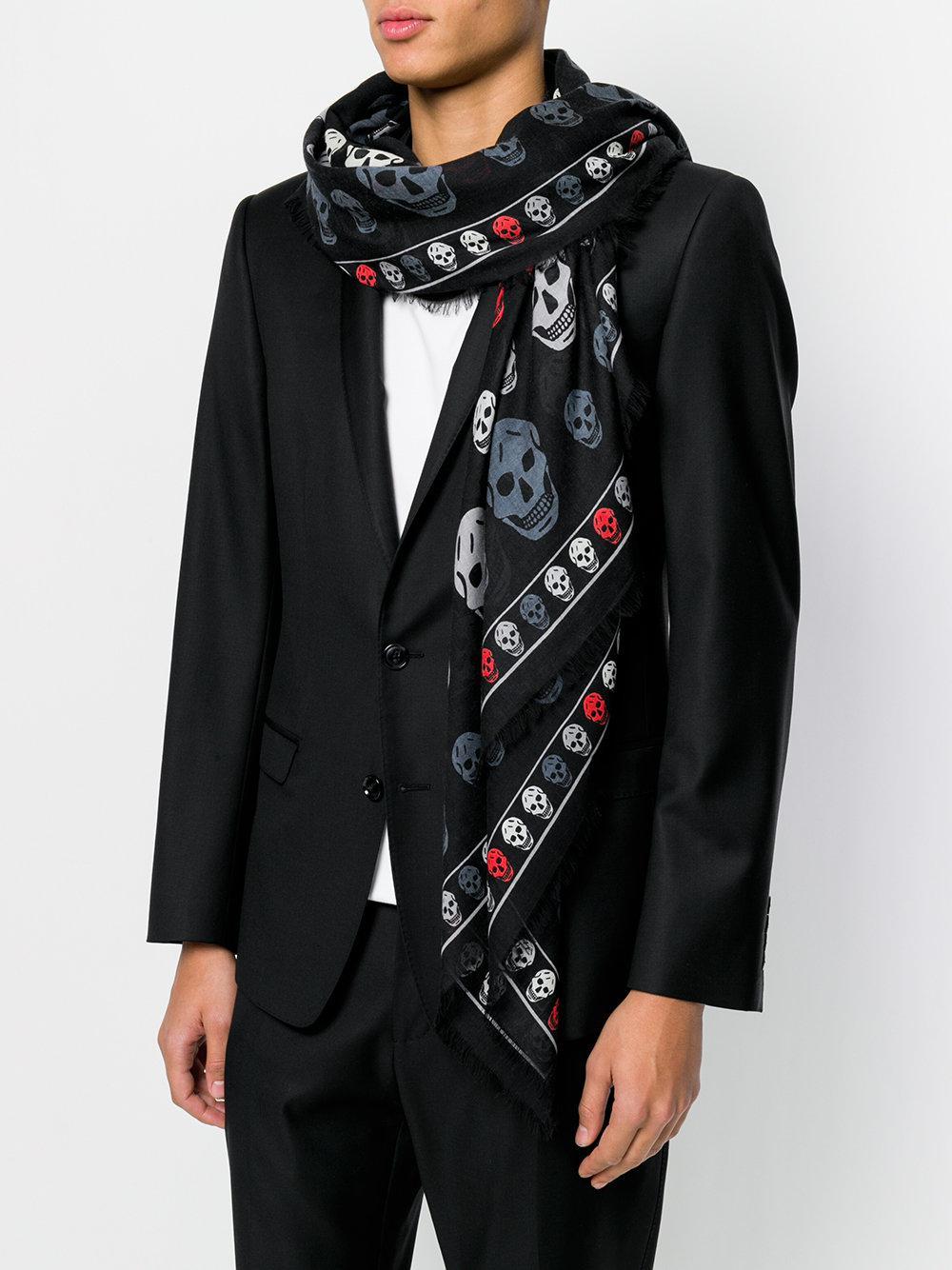 Alexander McQueen - Black Écharpe à imprimé tête de mort for Men - Lyst.  Afficher en plein écran 981be851993