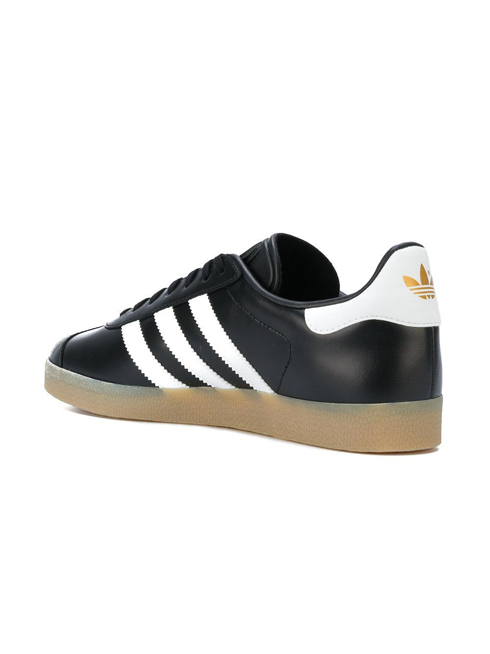 best sneakers 0b054 acfae Gallery. Previously sold at Farfetch · Mens Adidas Gazelle ...