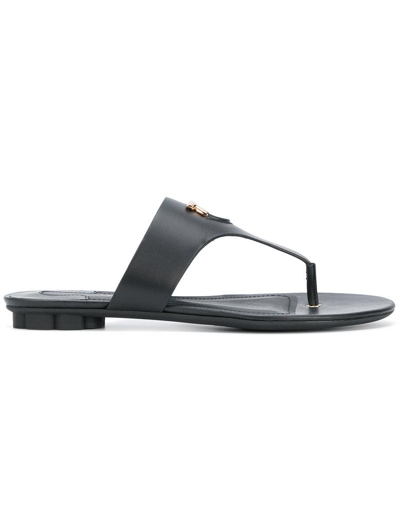 Salvatore Ferragamo 20MM ENFOLA GANCIO LEATHER SANDALS 4mBfk