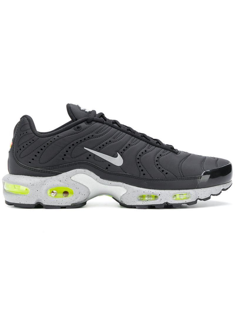 low cost 8c517 384b1 Nike. Men s Black Air Max Plus Premium