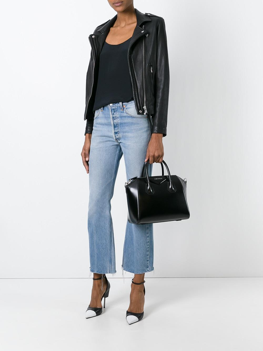 eb69c4d3b2 Lyst - Givenchy Small Antigona Leather Tote in Black