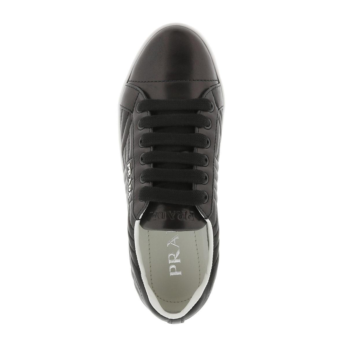 25df188a9e72b8 Prada Sneakers Matelassé W Logo Leather Nero/bianco in Black - Lyst