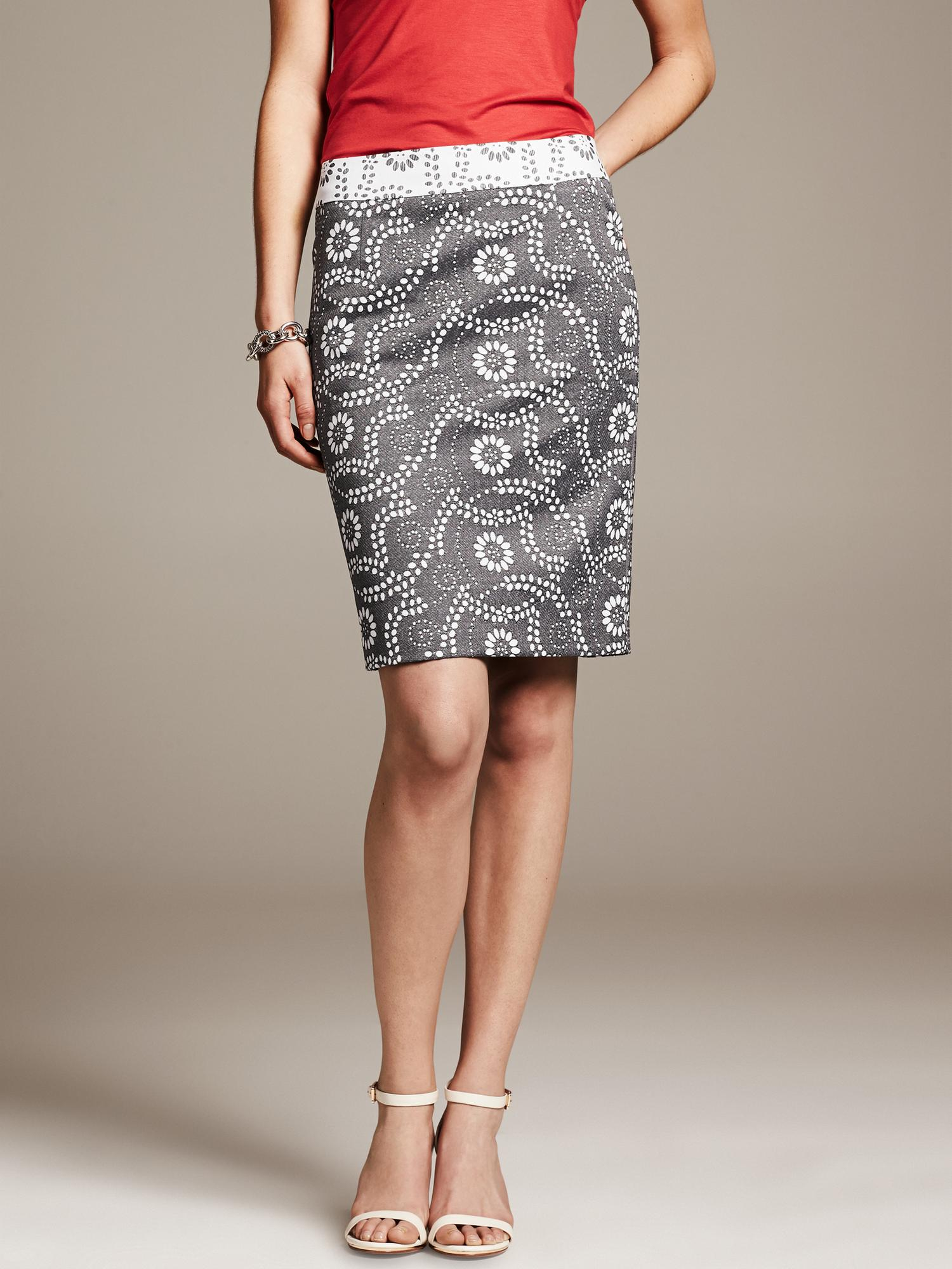 Banana Republic Black Paisley Jacquard Pencil Skirt Lyst