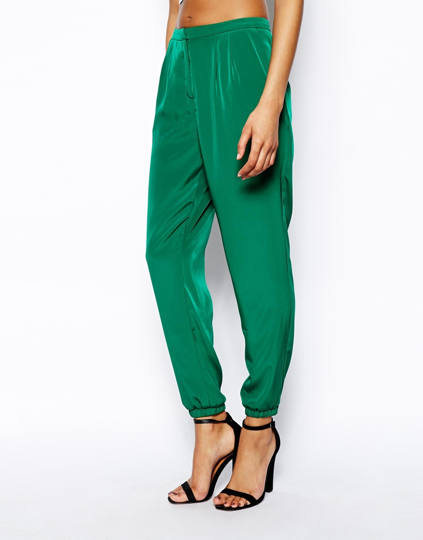Shop Ann Taylor for a stylish selection of perfect-fitting tall pants. Explore flattering and modern styles, from dress pants for work to tall ankle pants.