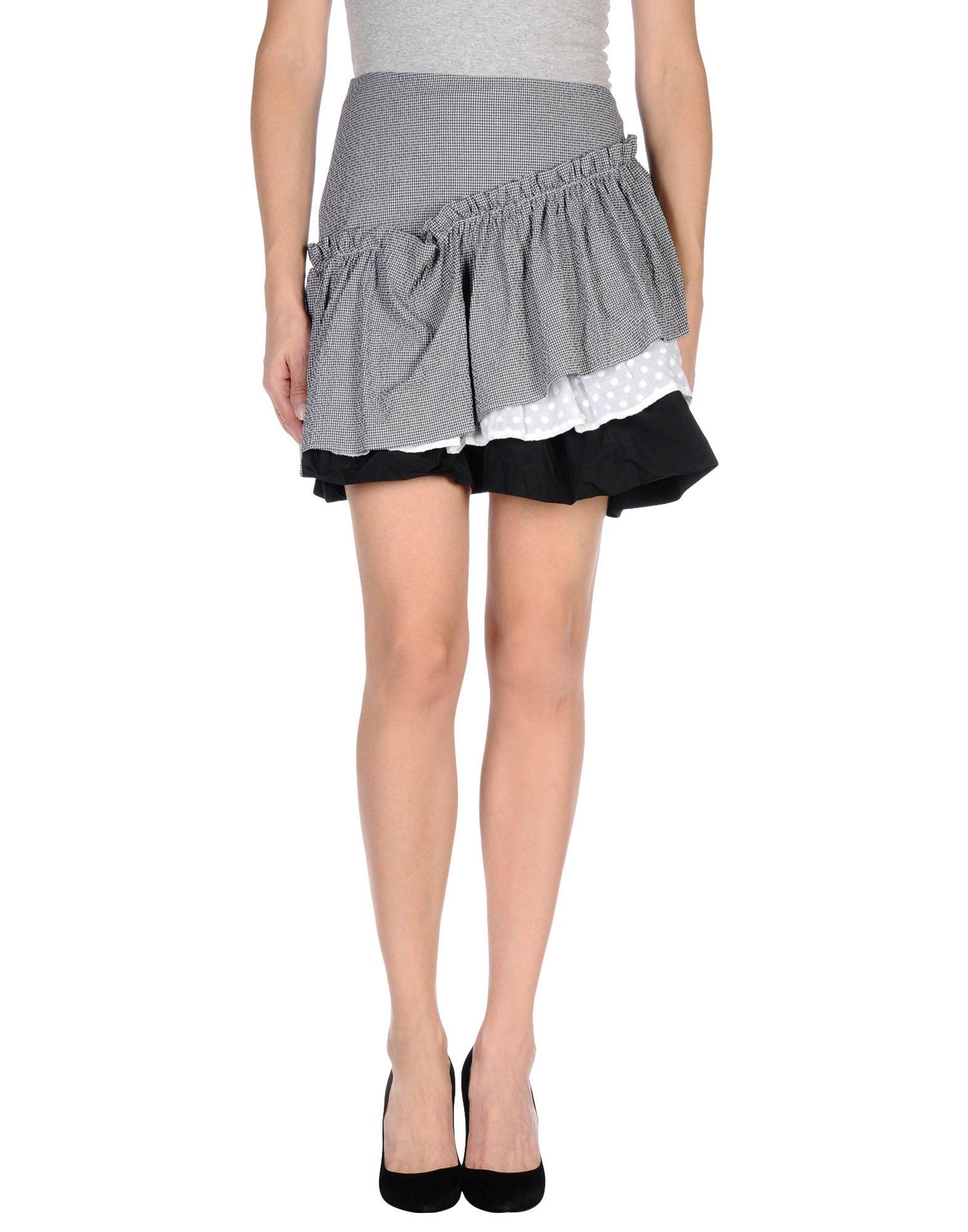 Love moschino Mini Skirt in White (Black)