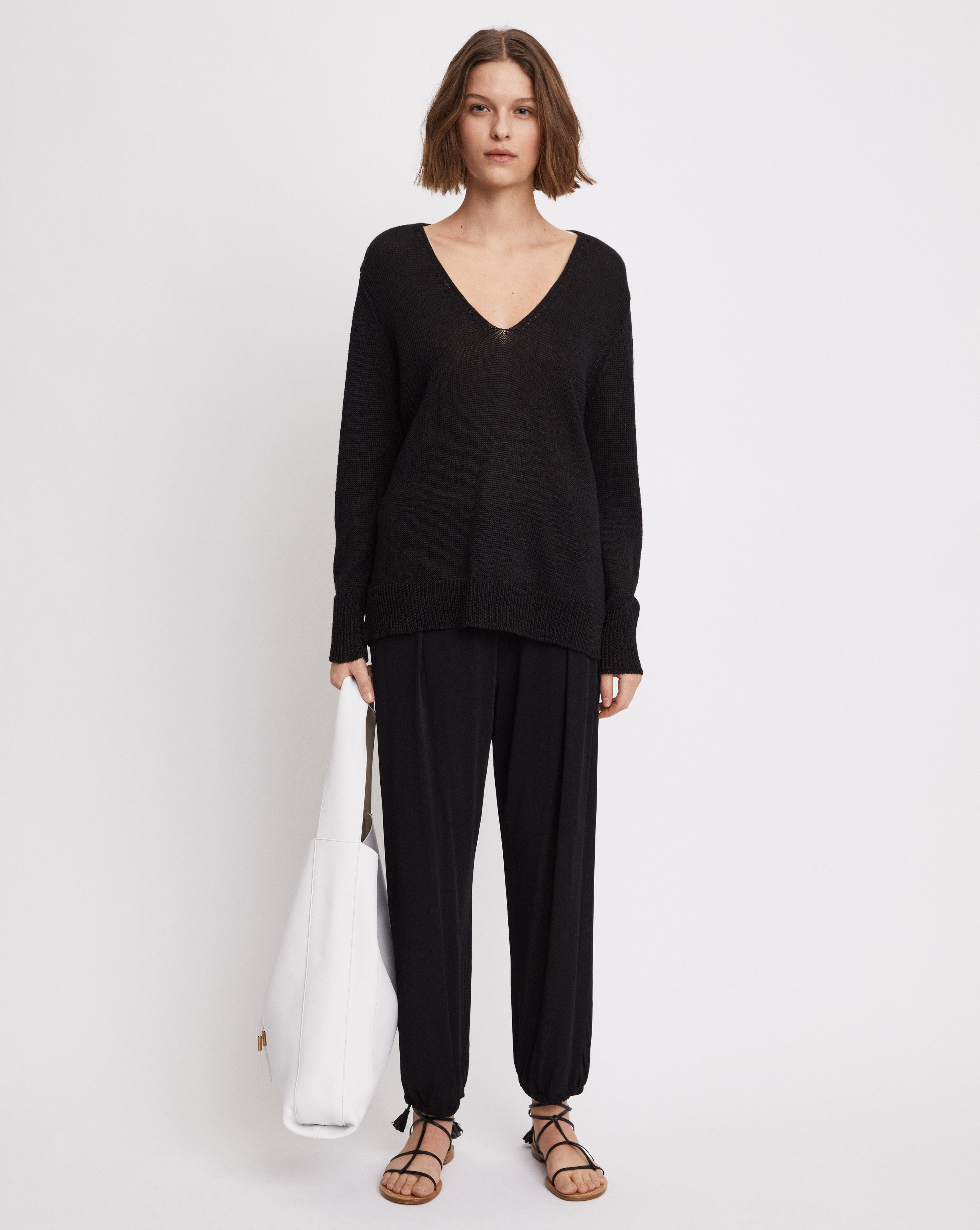 67f46a12952 Filippa K Shiny Linen V-neck Black in Black - Lyst