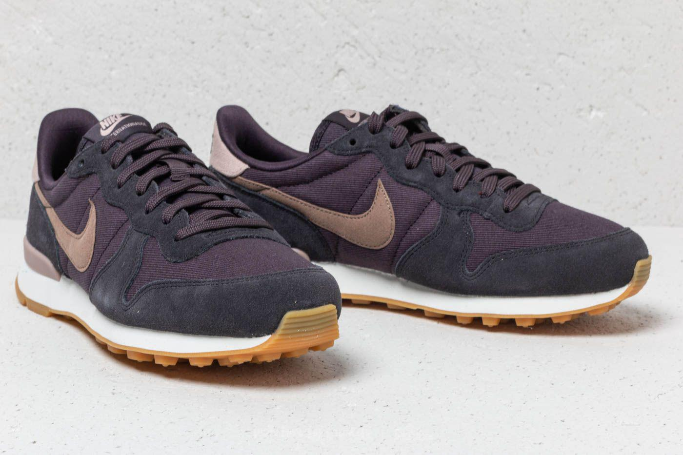 newest 25ec9 36e3c Gallery. Previously sold at  Footshop · Men s Nike Internationalist
