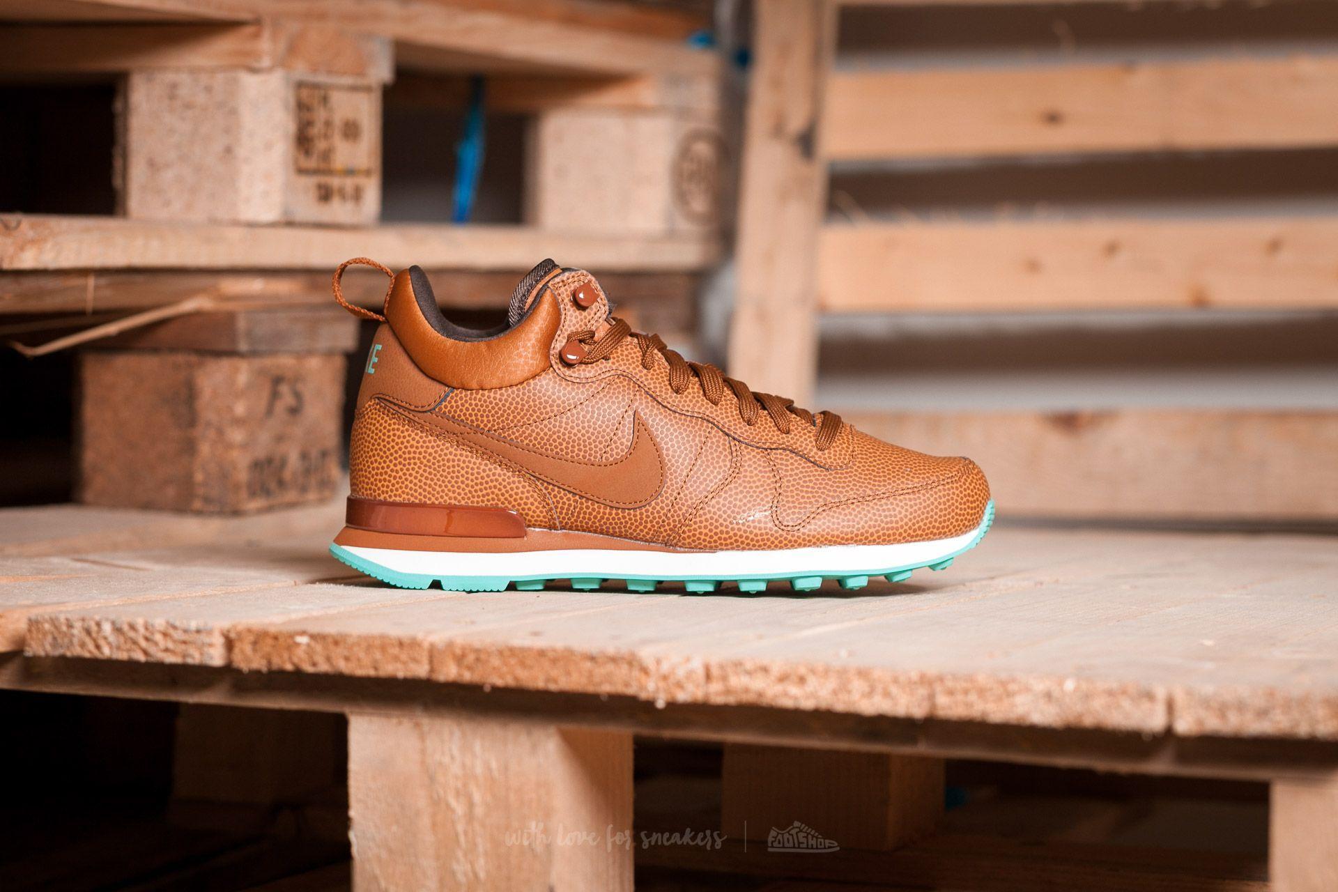 e35deb3553cf Lyst - Nike W Internationalist Mid Leather Hazelnut  Hazelnut-washed ...