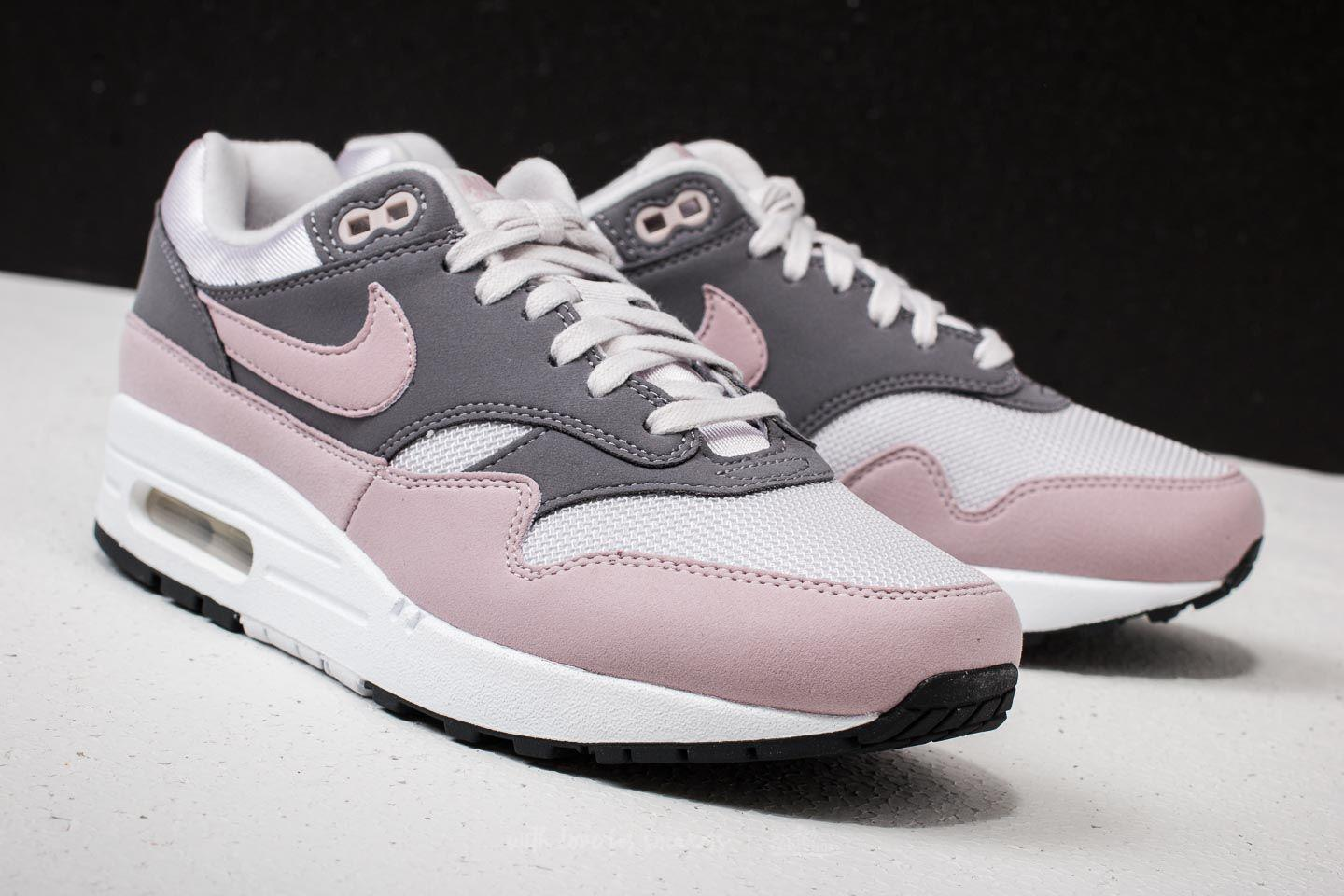 hot sale online 93b22 1dd08 Gallery. Previously sold at  Footshop · Women s Nike Air Max 1 ...