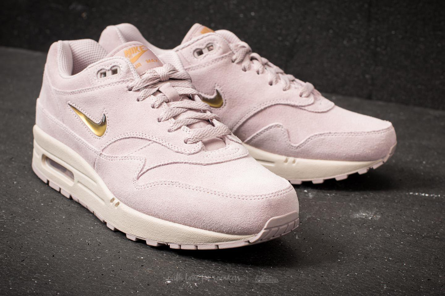 new product 9bf77 197be Gallery. Previously sold at Footshop · Womens Nike Air Max ...