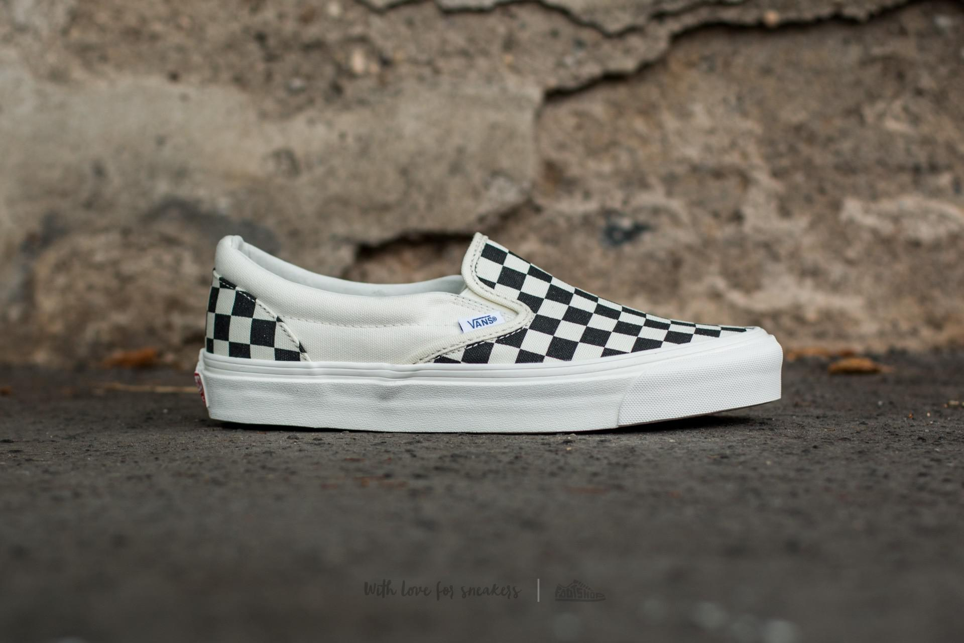 vans-classic-slip-on-in-black-and-white-checkered-white