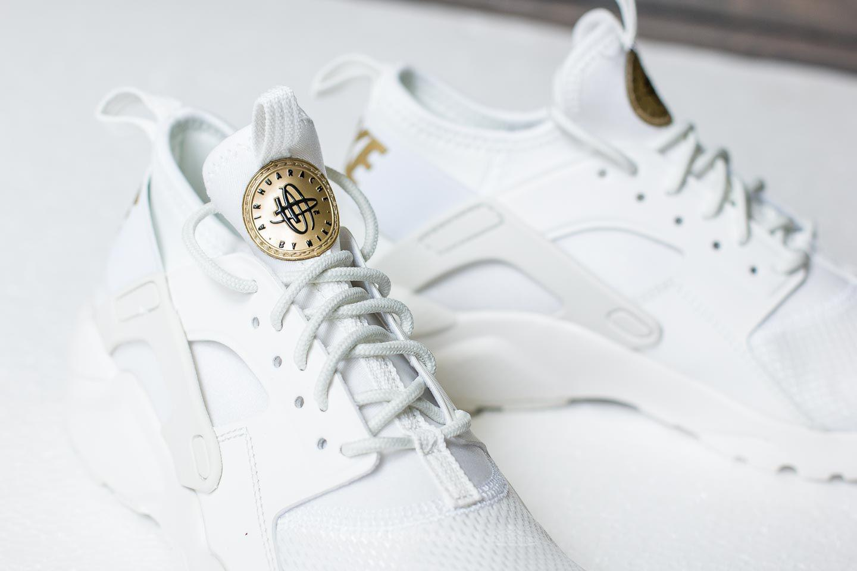 a18ac27cbaa0 Lyst - Nike Air Huarache Run Ultra Gs Summit White  Metallic Gold in ...