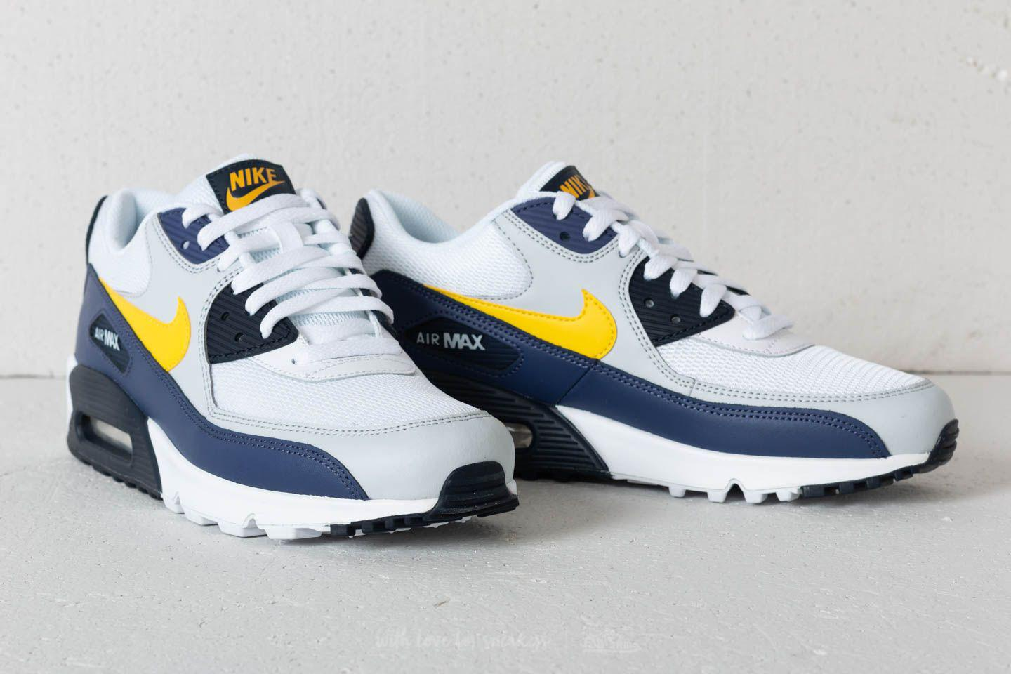 sports shoes 43ef9 53e1f Gallery. Previously sold at  Footshop · Men s Air Max 90 Sneakers