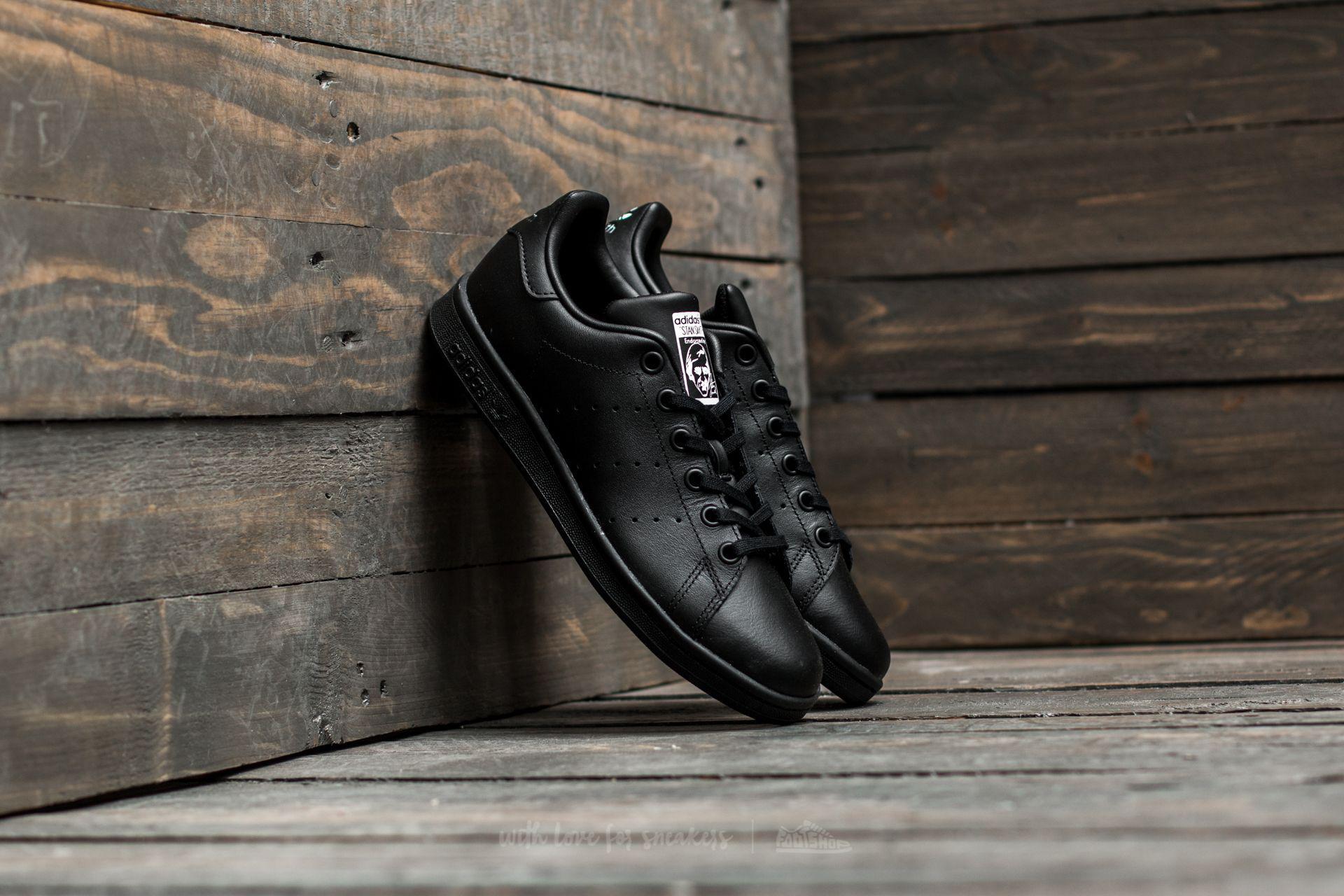 8c8d2c446e26e Lyst - Adidas Originals Adidas Stan Smith Junior Black  Black ...