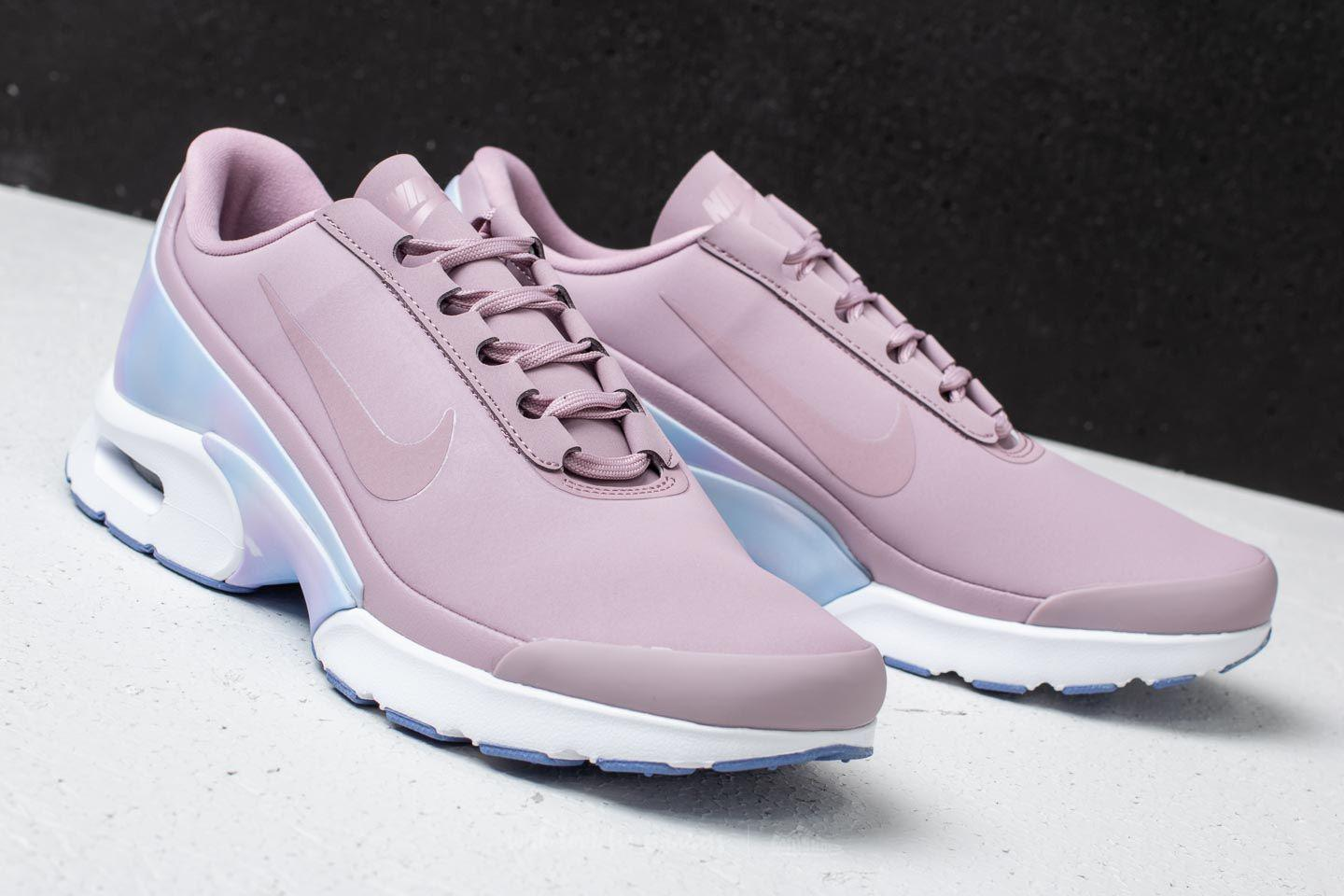 new concept d012a 19e8d Gallery. Previously sold at  Footshop · Women s Nike Air Max