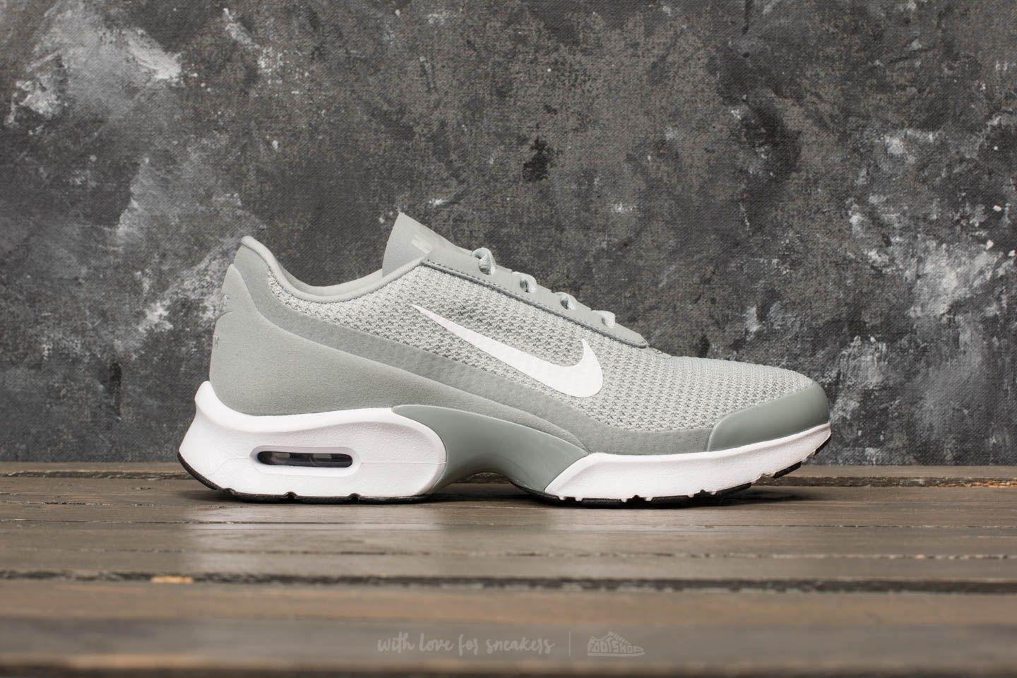 Lyst - Nike Nike Wmns Air Max Jewell Light Pumice  White-black in Black 5891866a0