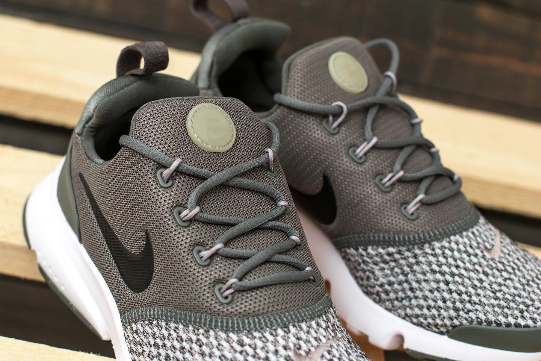 0b43a051be03 Lyst - Nike Presto Fly Se (gs) River Rock  Black-cobblestone for Men