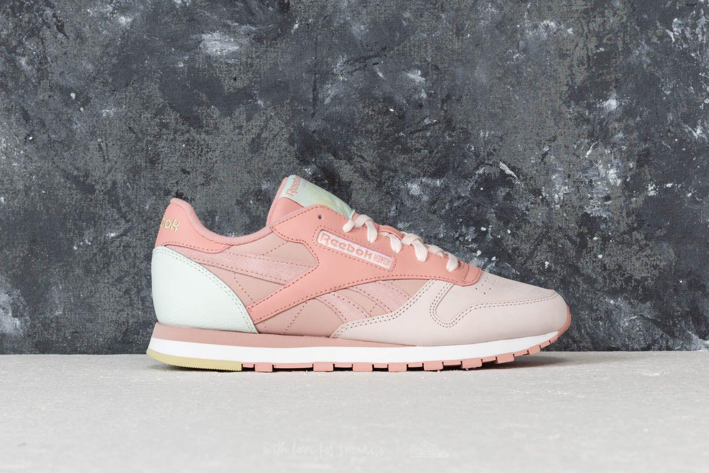 342c9d9f8a7c Gallery. Previously sold at  Footshop · Women s Reebok Classic Leather ...