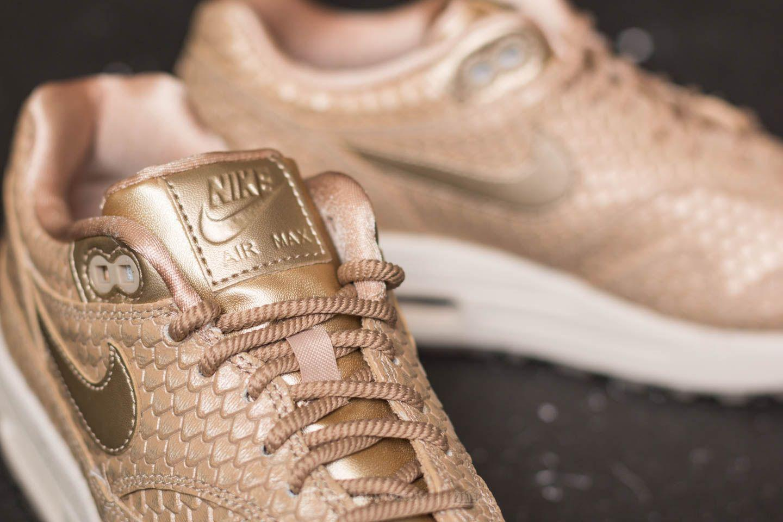 New Nike Women's Air Max 1 Shoes (454746 900) BlurLight Orewood BrownSummit Wh eBay  eBay