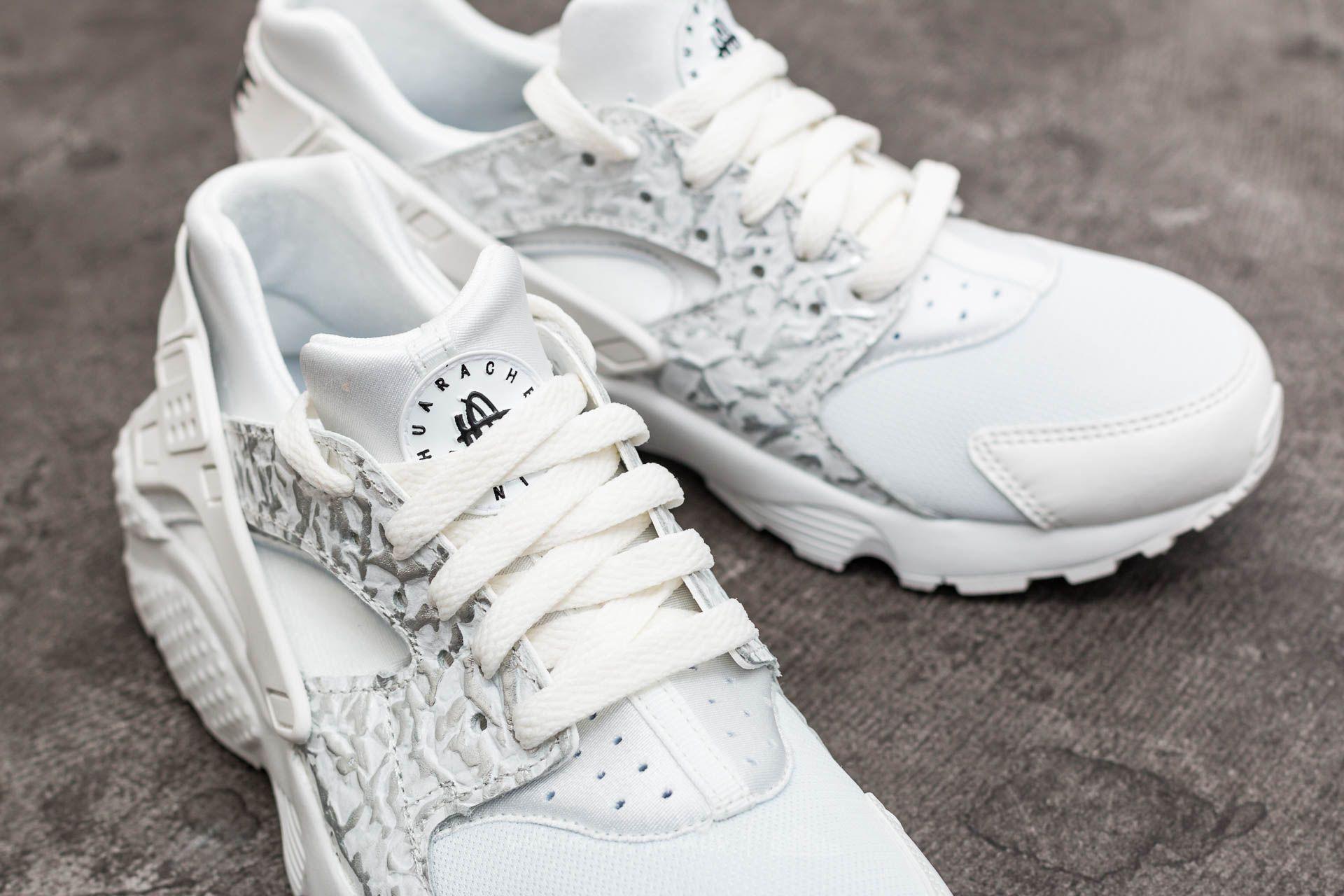 898c974bf4b3 Lyst - Nike Huarache Run Se (gs) Summit White  Metallic Silver in ...