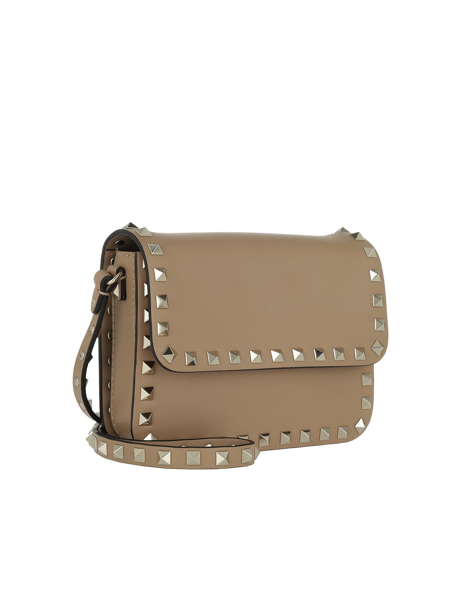 cf01562c0e9 Lyst - Valentino Rockstud Shoulder Bag Cammello in Natural