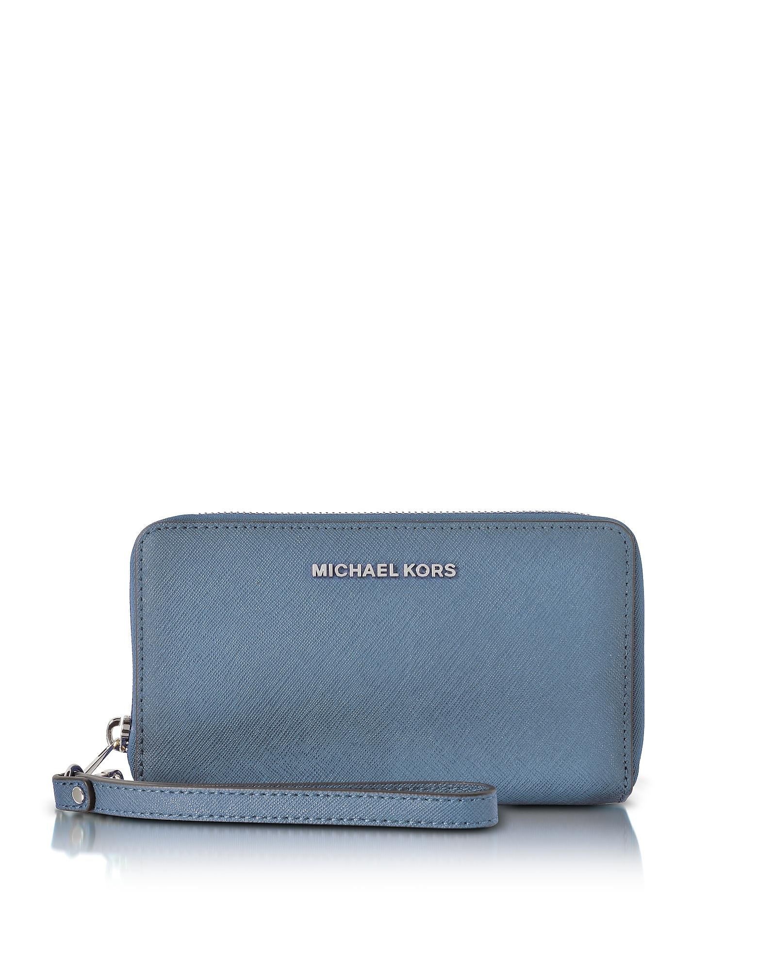 Men's Michael Kors Wallets epitomising all-American glamour, luxury brand Michael Kors is worn by women and men across the globe. Known for wearable, refined elegance, Kors is an expert in ready-to-wear and leather goods.